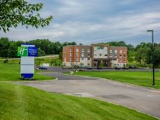 Holiday Inn Express & Suites Jamestown in Findley Lake, New York