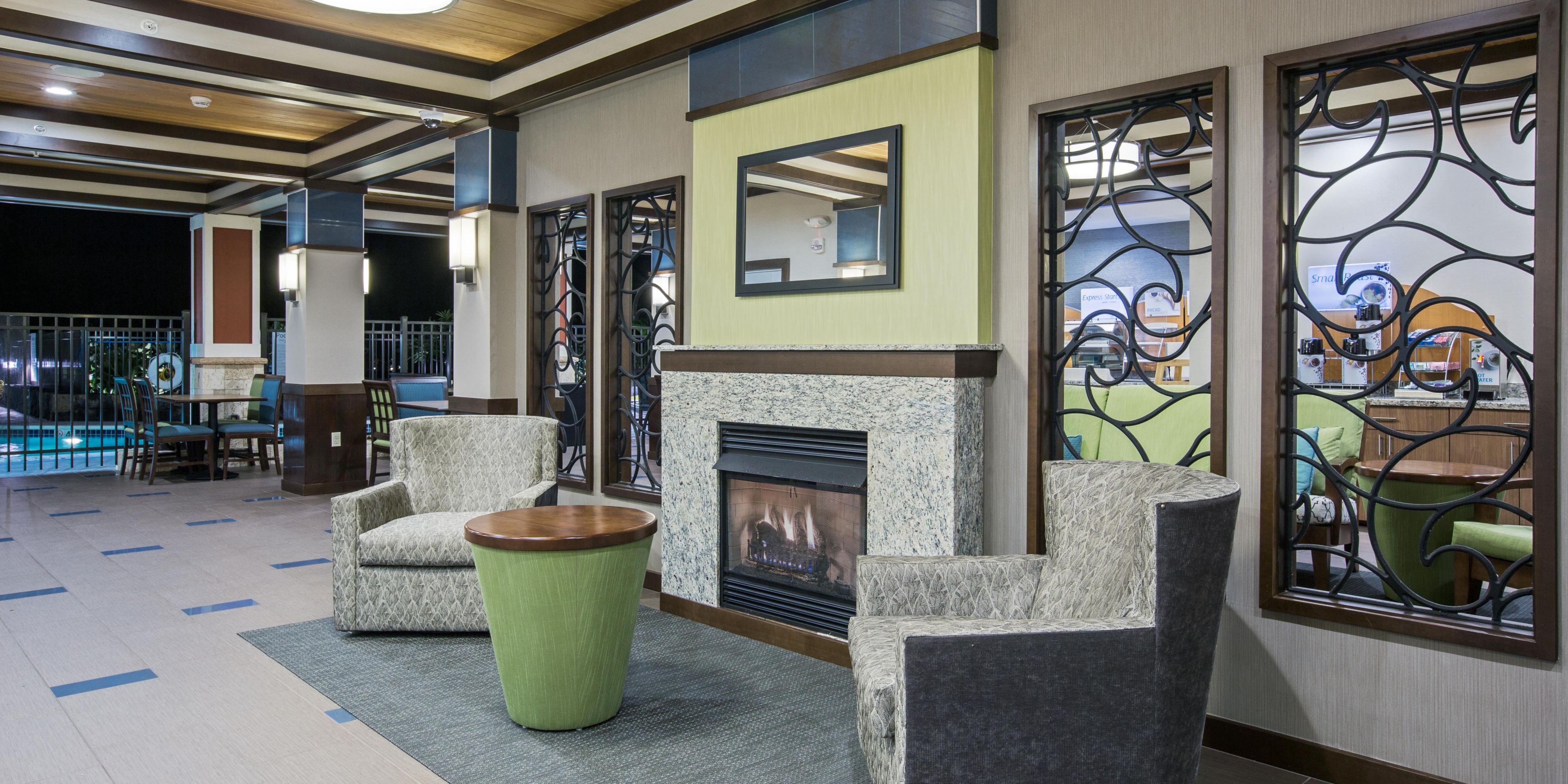 Holiday Inn Express & Suites Kailua-Kona Hotel by IHG