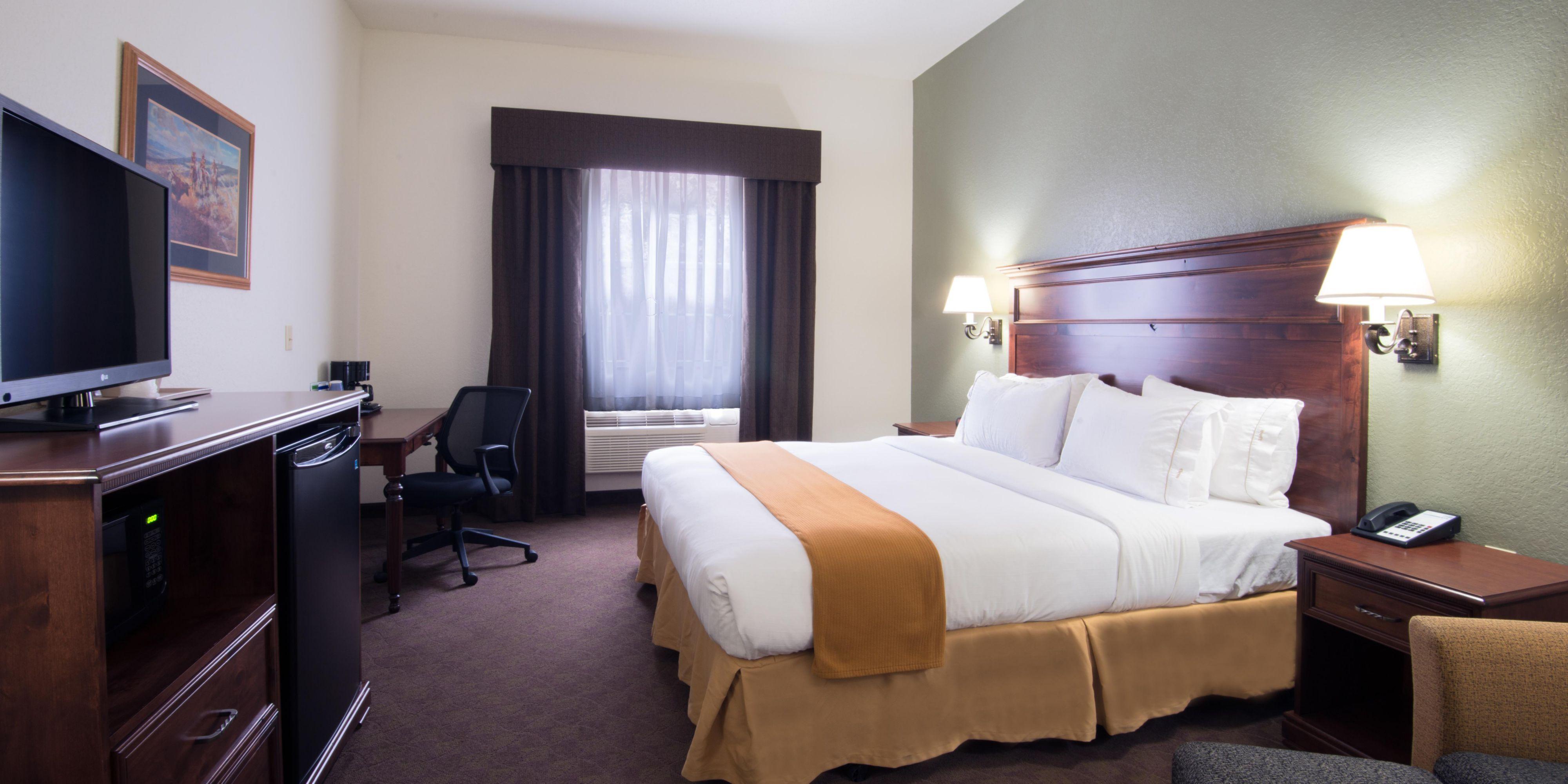 holiday inn express suites keystone hotel by ihg