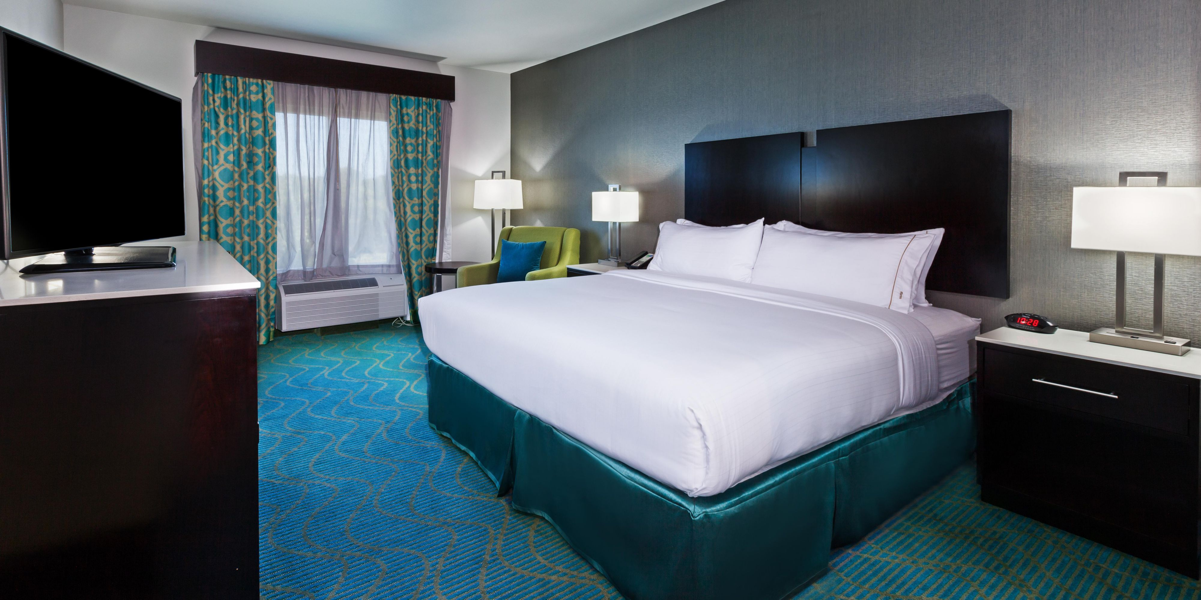 Holiday Inn Express And Suites Killeen 4086615451 2x1