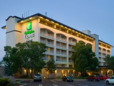 Holiday Inn Express Suites King Of Prussia In Philadelphia Pennsylvania