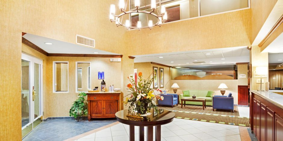 Front Desk Hotel Exterior Lobby