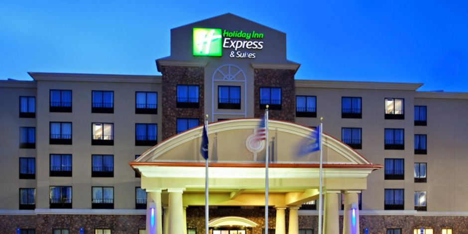 Holiday Inn Express And Suites Laplace Near New Orleans Hotel Exterior At Night