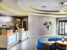 Holiday Inn Express & Suites Lakeland South in Winter Haven, Florida