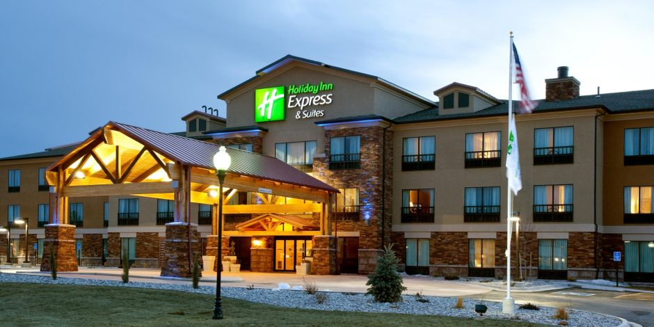 78 Beautiful Guests At The Holiday Inn Express Suites Lander Wy