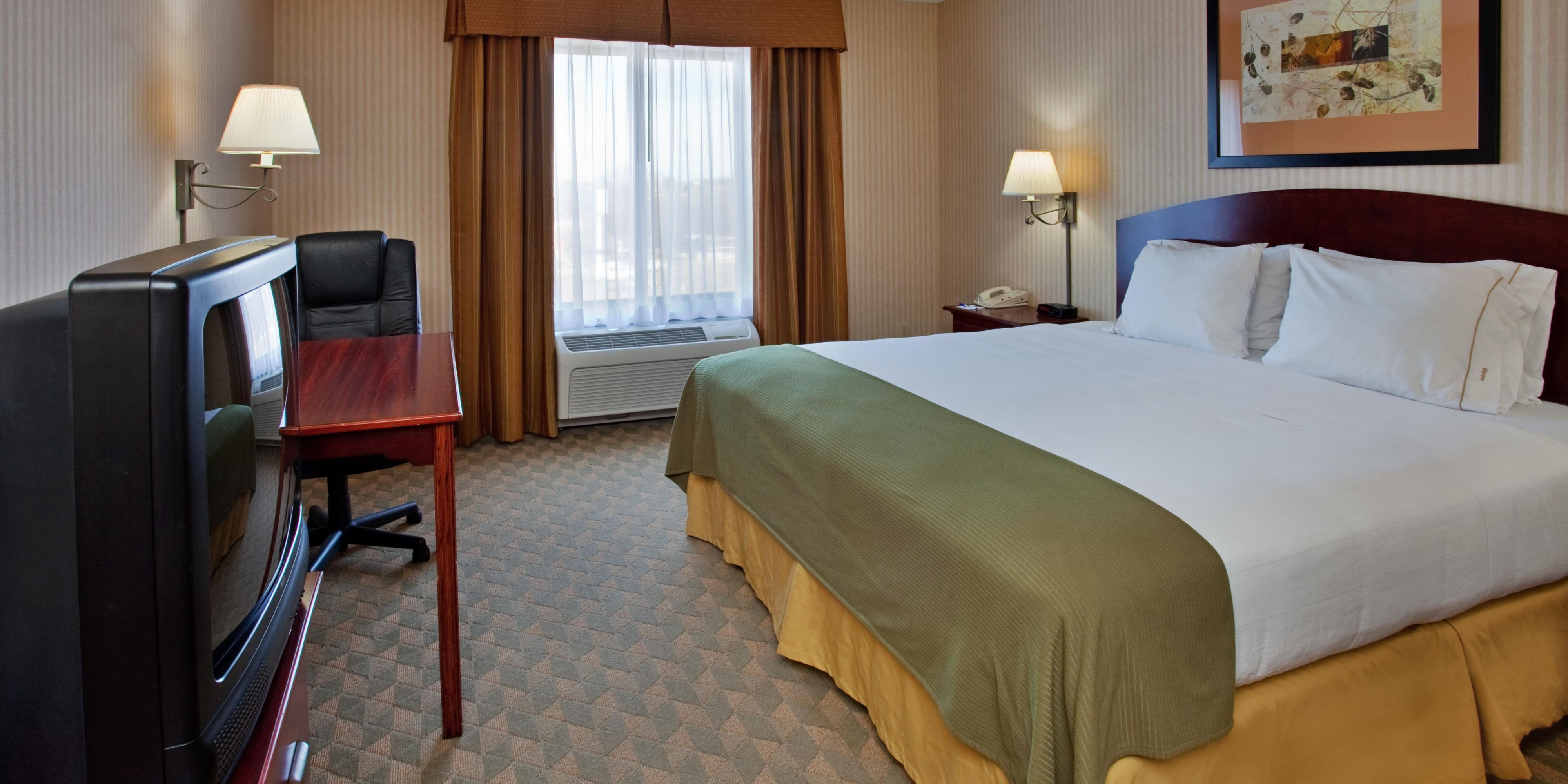 Holiday Inn Express And Suites Lansing 2532100281 2x1