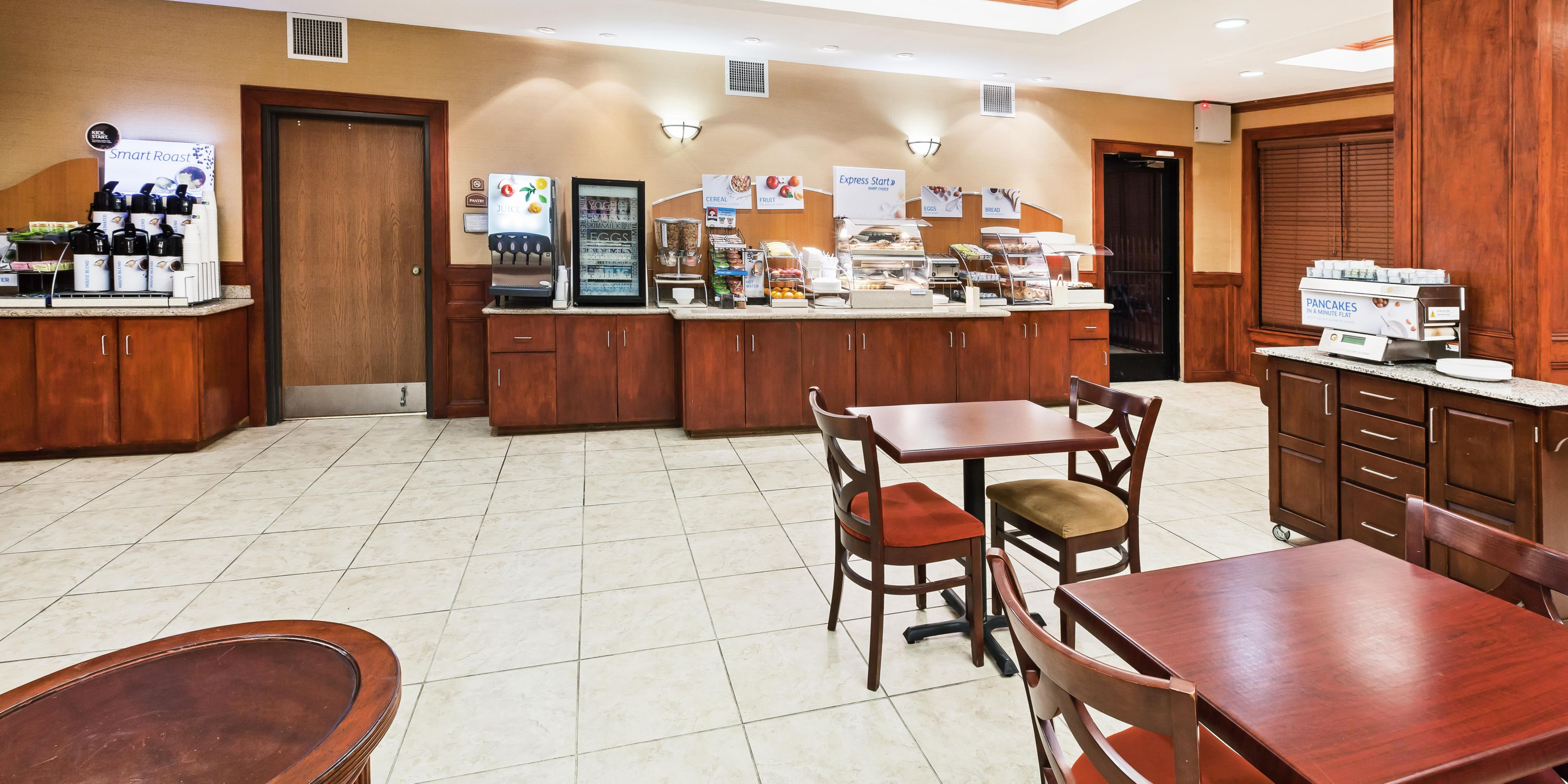 Holiday Inn Express & Suites Laredo Event Center Area Hotel by IHG