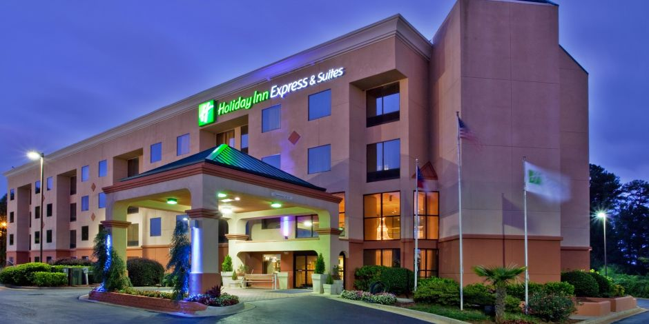 Exterior Of The Holiday Inn Express Lawrenceville
