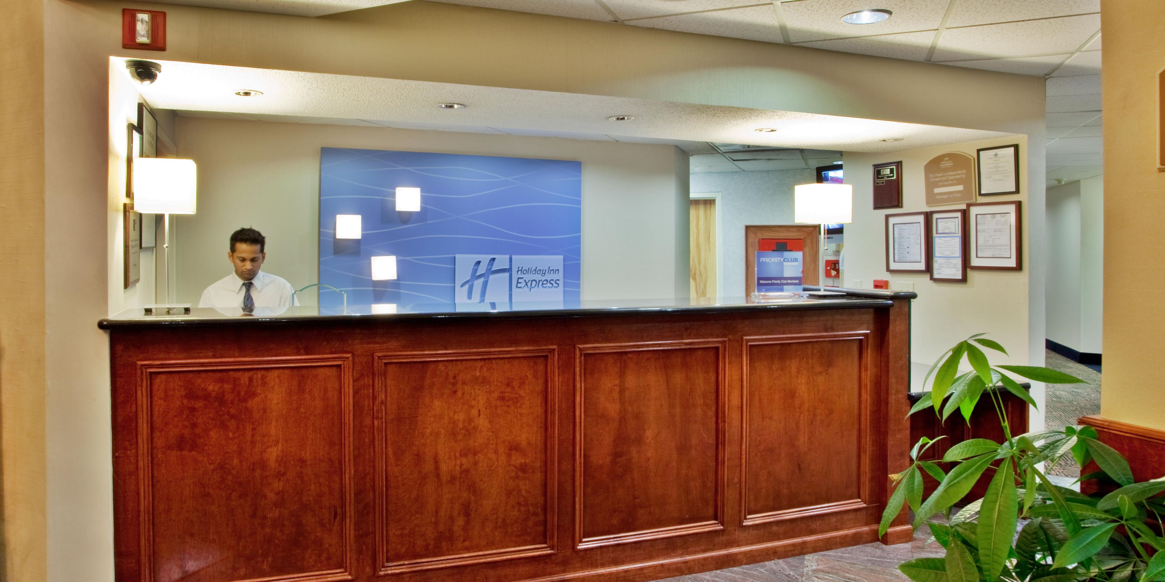 ... Front Desk Reception   Holiday Inn Express Lawrenceville, GA ...