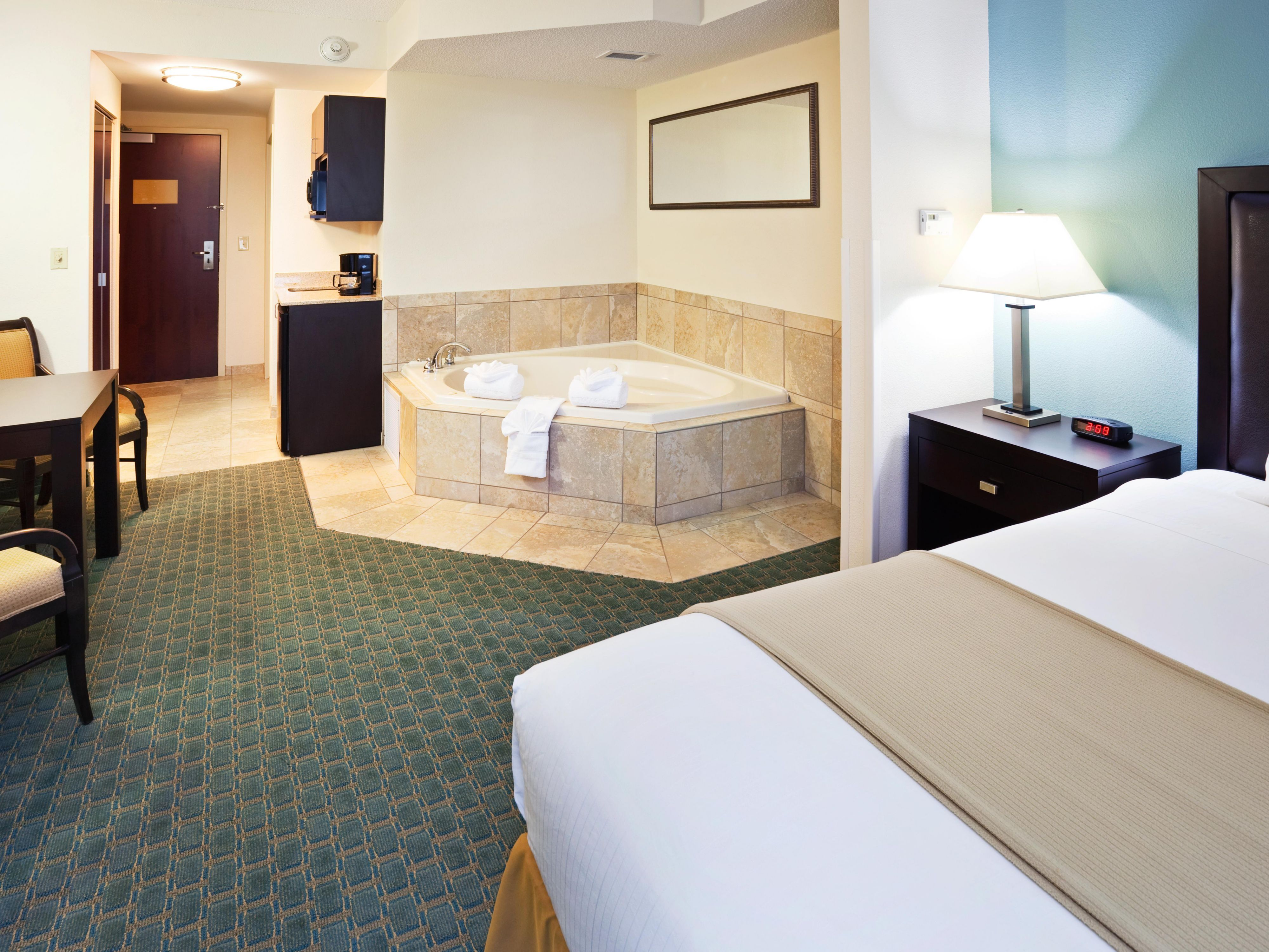 King Bed Whirlpool Suite