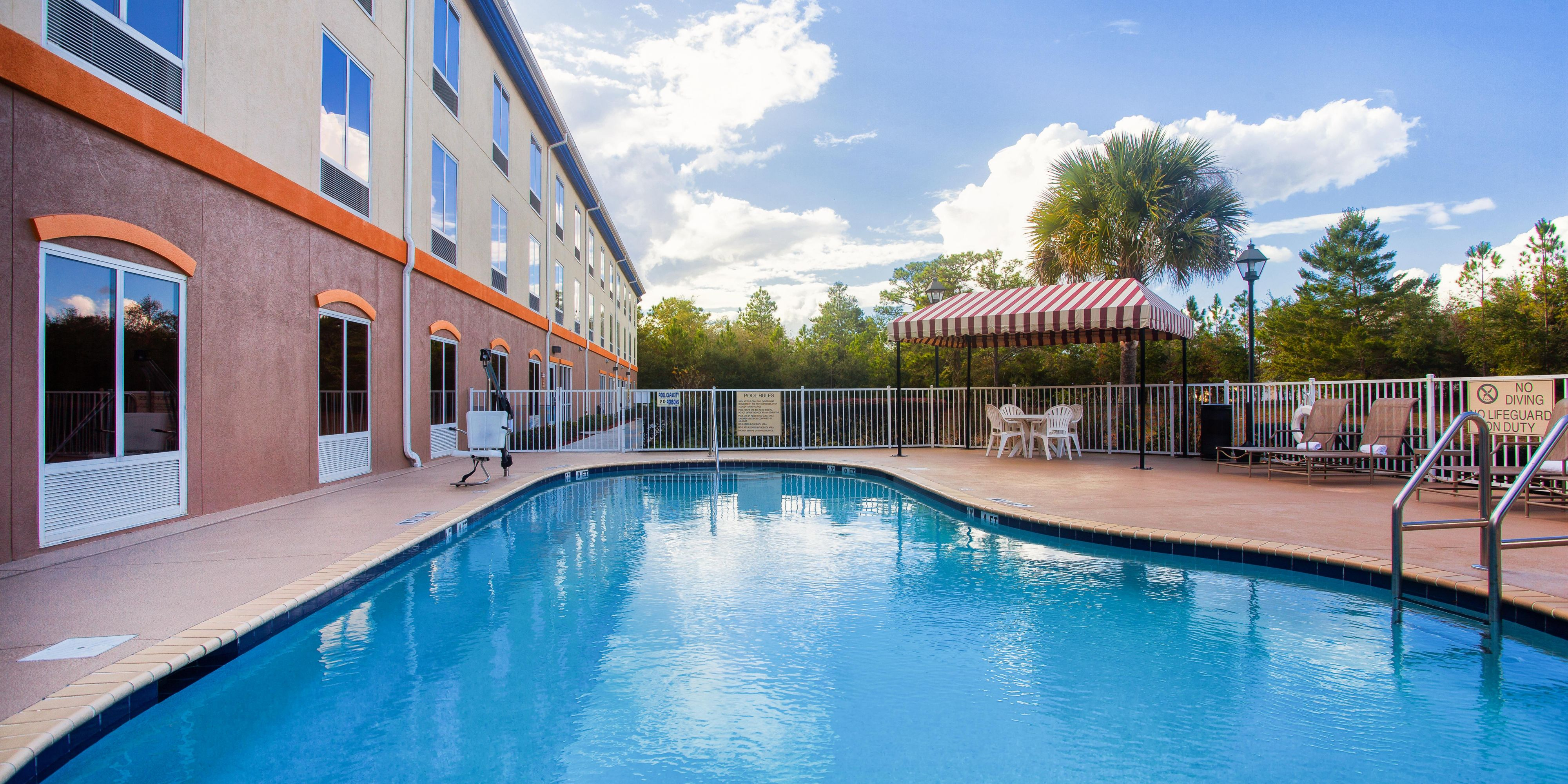 Holiday Inn Express And Suites Lecanto 4434017999 2x1