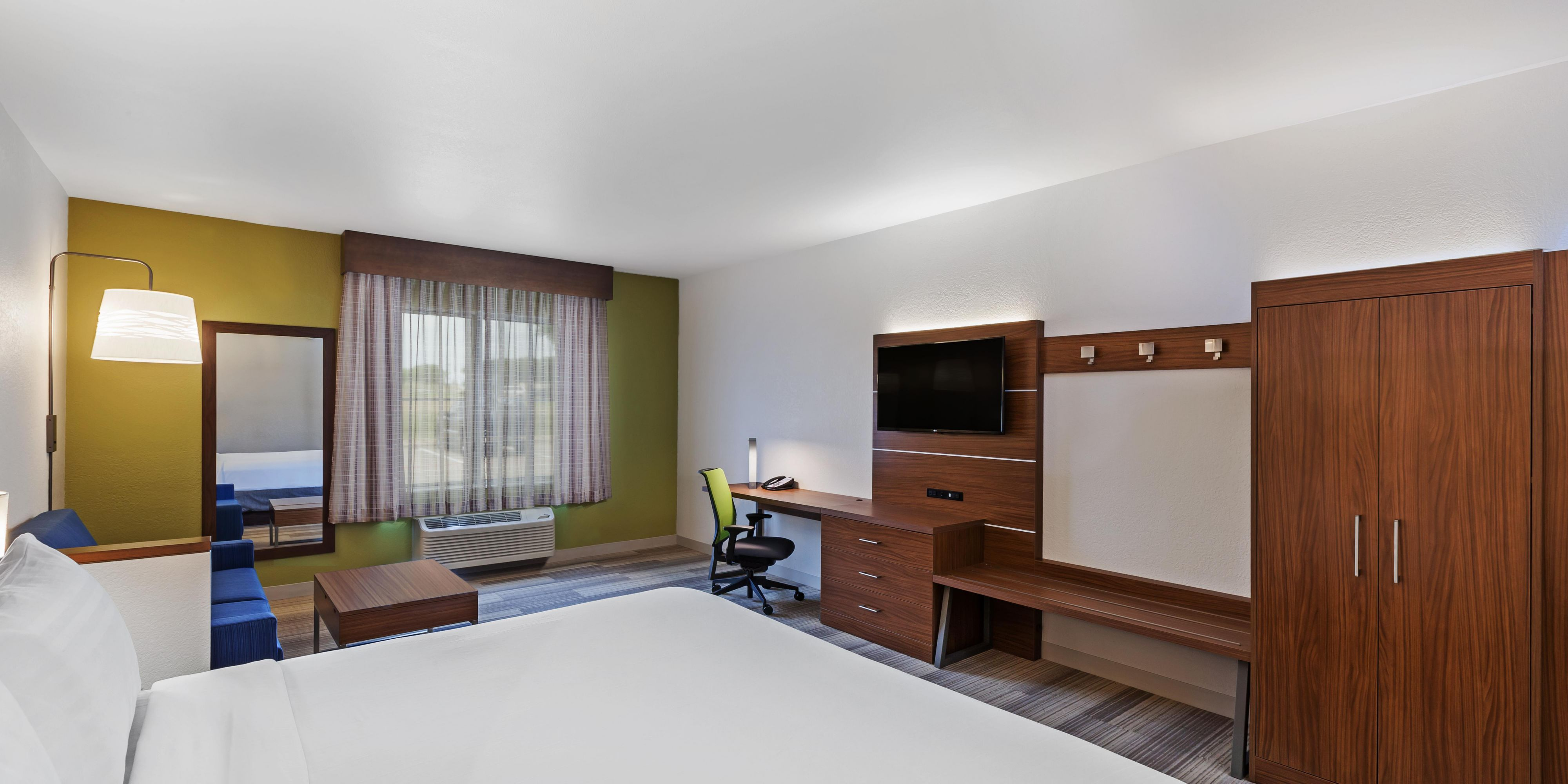 Holiday Inn Express And Suites Lewisville 5049870087 2x1