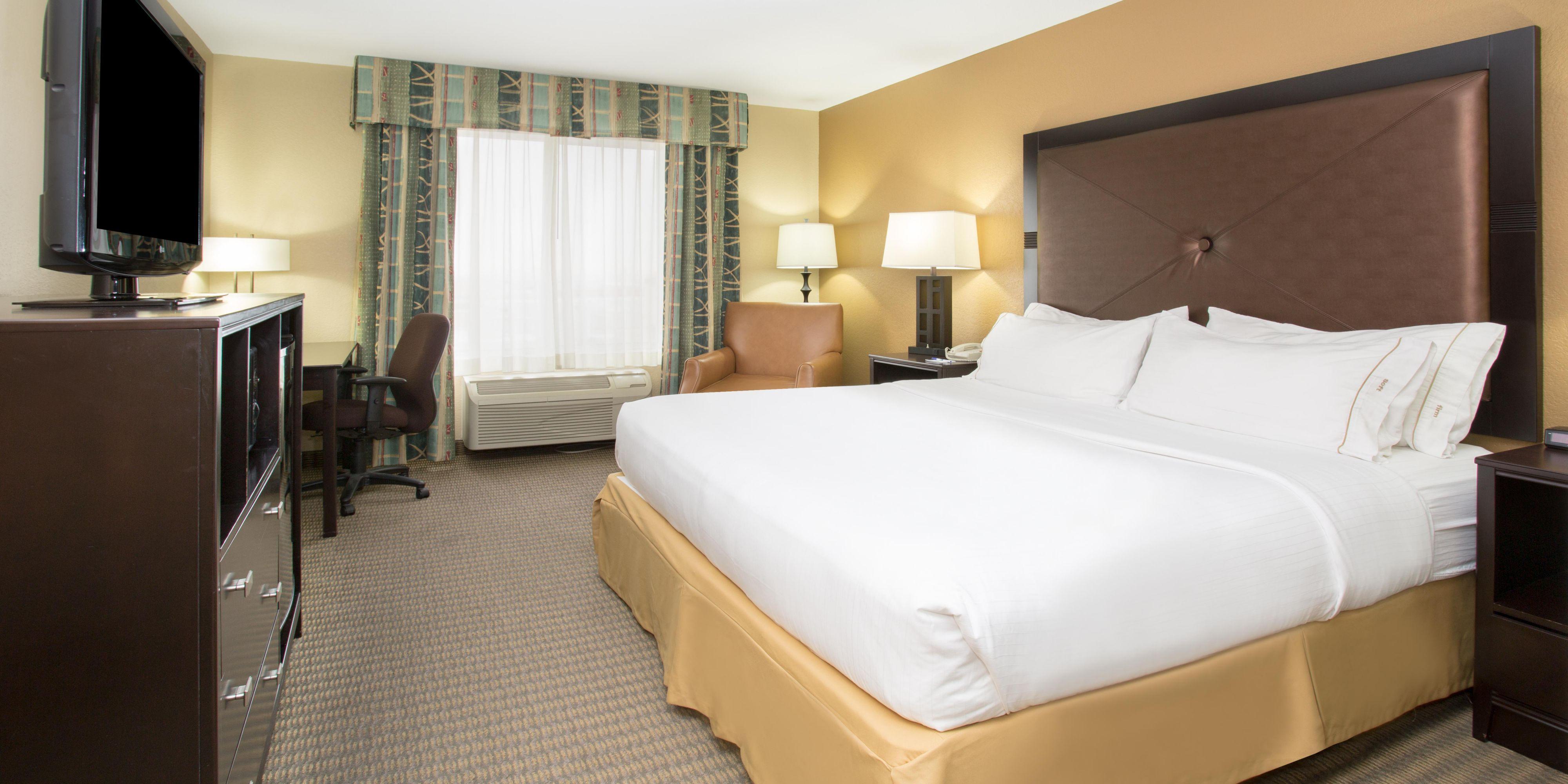 Holiday Inn Express And Suites Lexington 4274180248 2x1