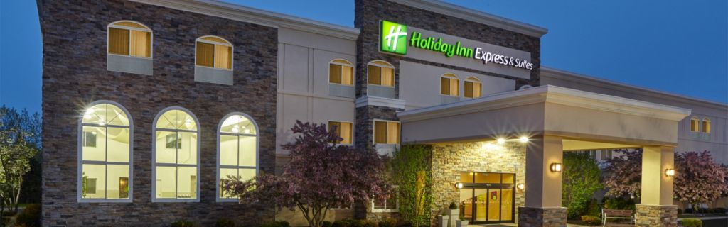 Holiday Inn Express Suites Hotel Across Independence