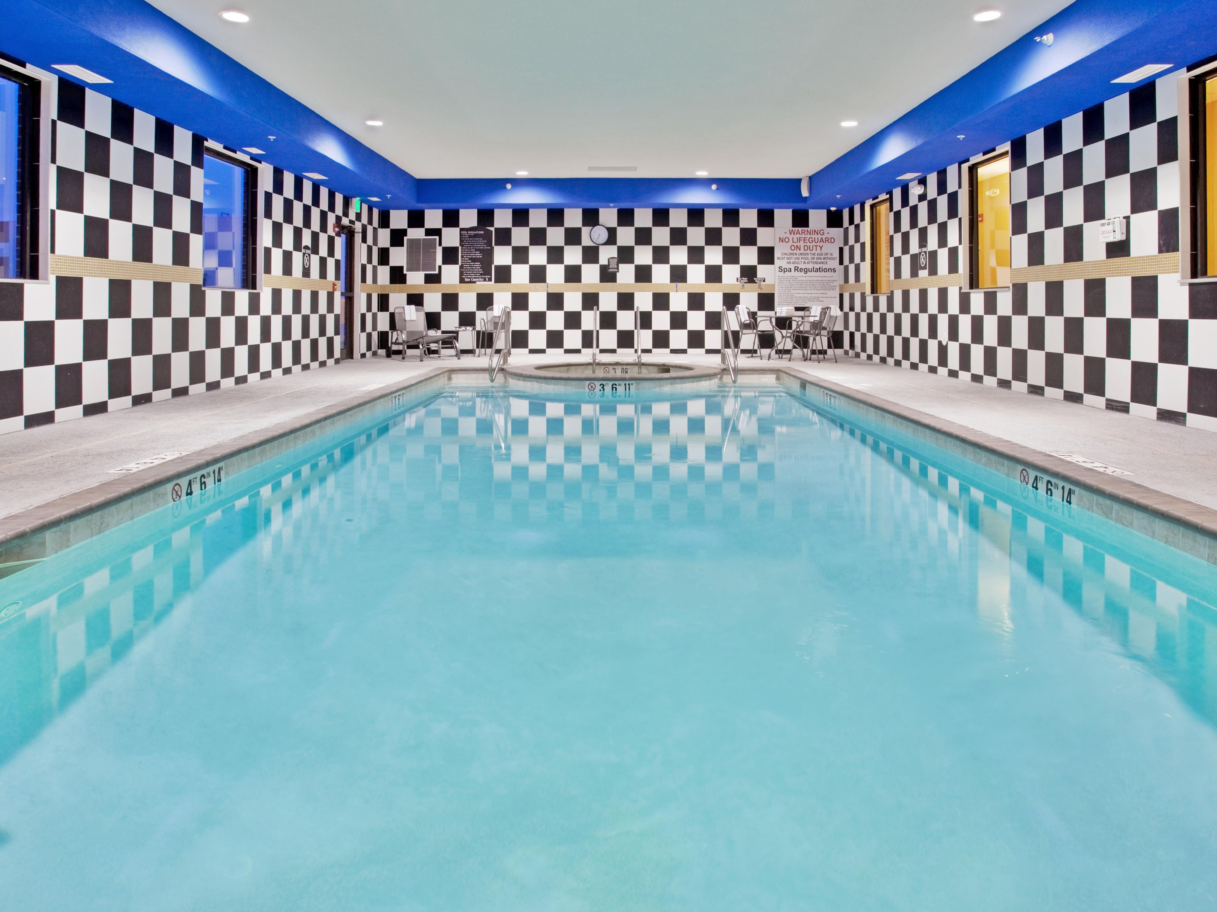 Swimming Pool/Whirlpool
