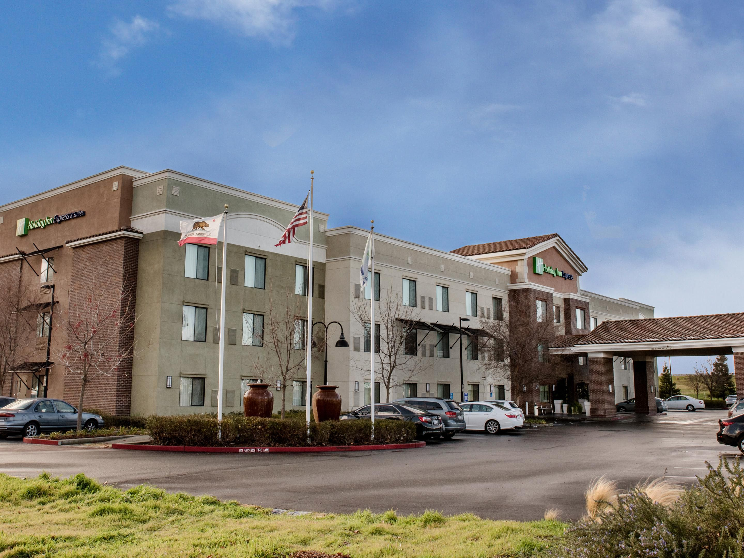 Holiday Inn Express & Suites Lincoln