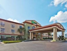 Holiday Inn Express & Suites Live Oak in Live Oak, Florida