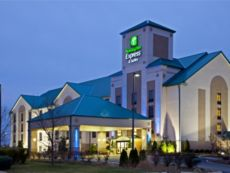 Holiday Inn Express & Suites Louisville East in Clarksville, Indiana