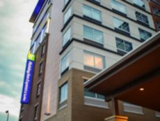 Holiday Inn Express & Suites Louisville Downtown in Clarksville, Indiana