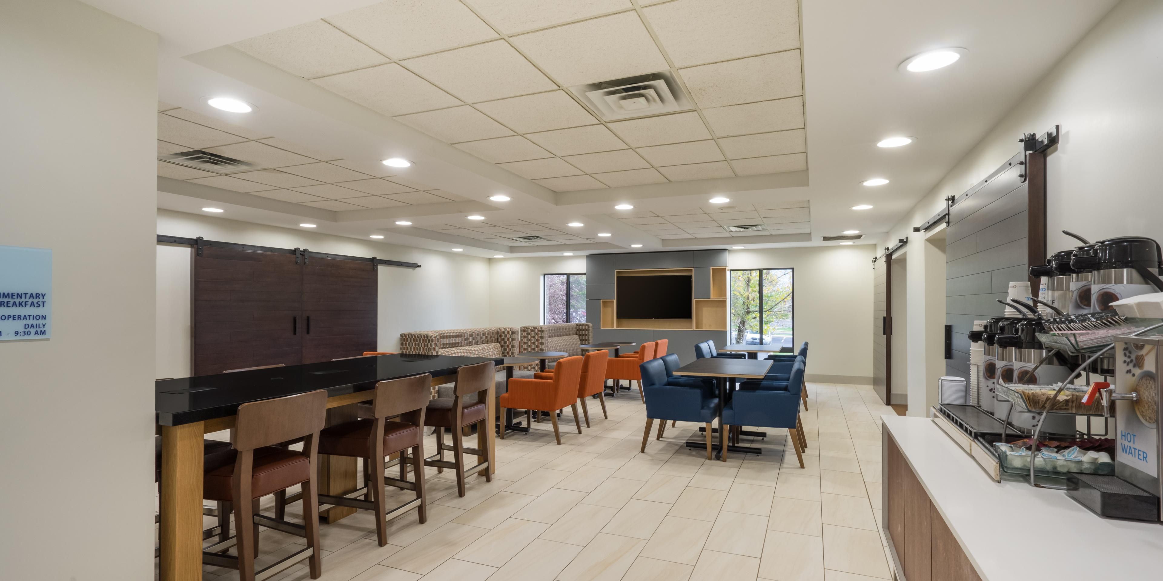 Holiday Inn Express And Suites Louisville 5289982845 2x1