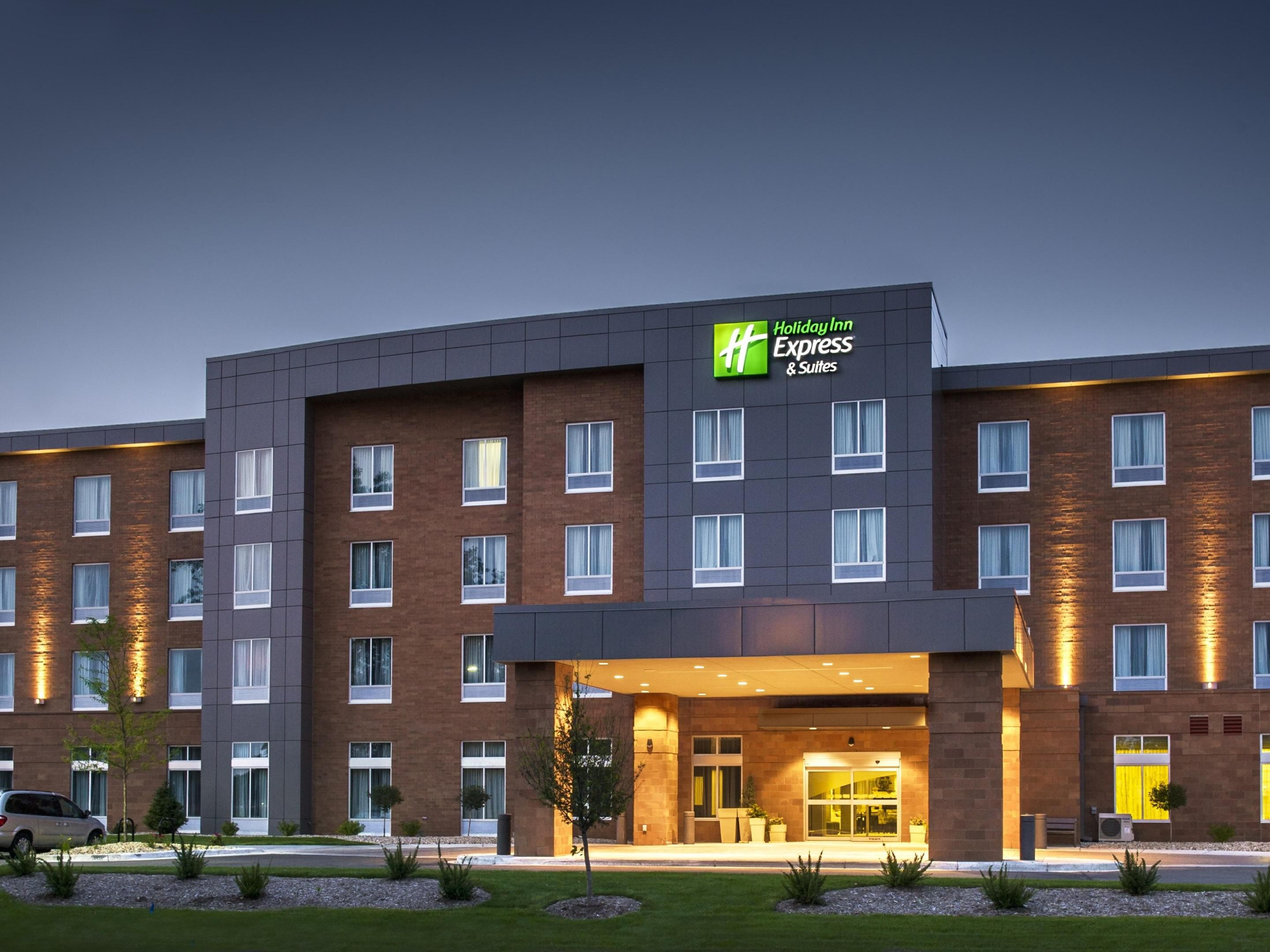 Holiday Inn Express near the Alliant Energy Center