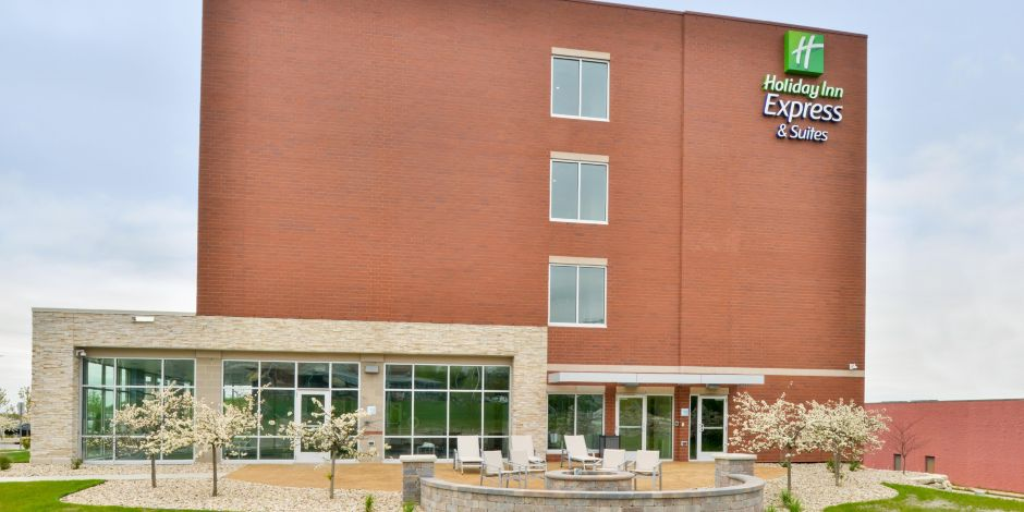Holiday Inn Express & Suites Madison Hotel in Madison by IHG