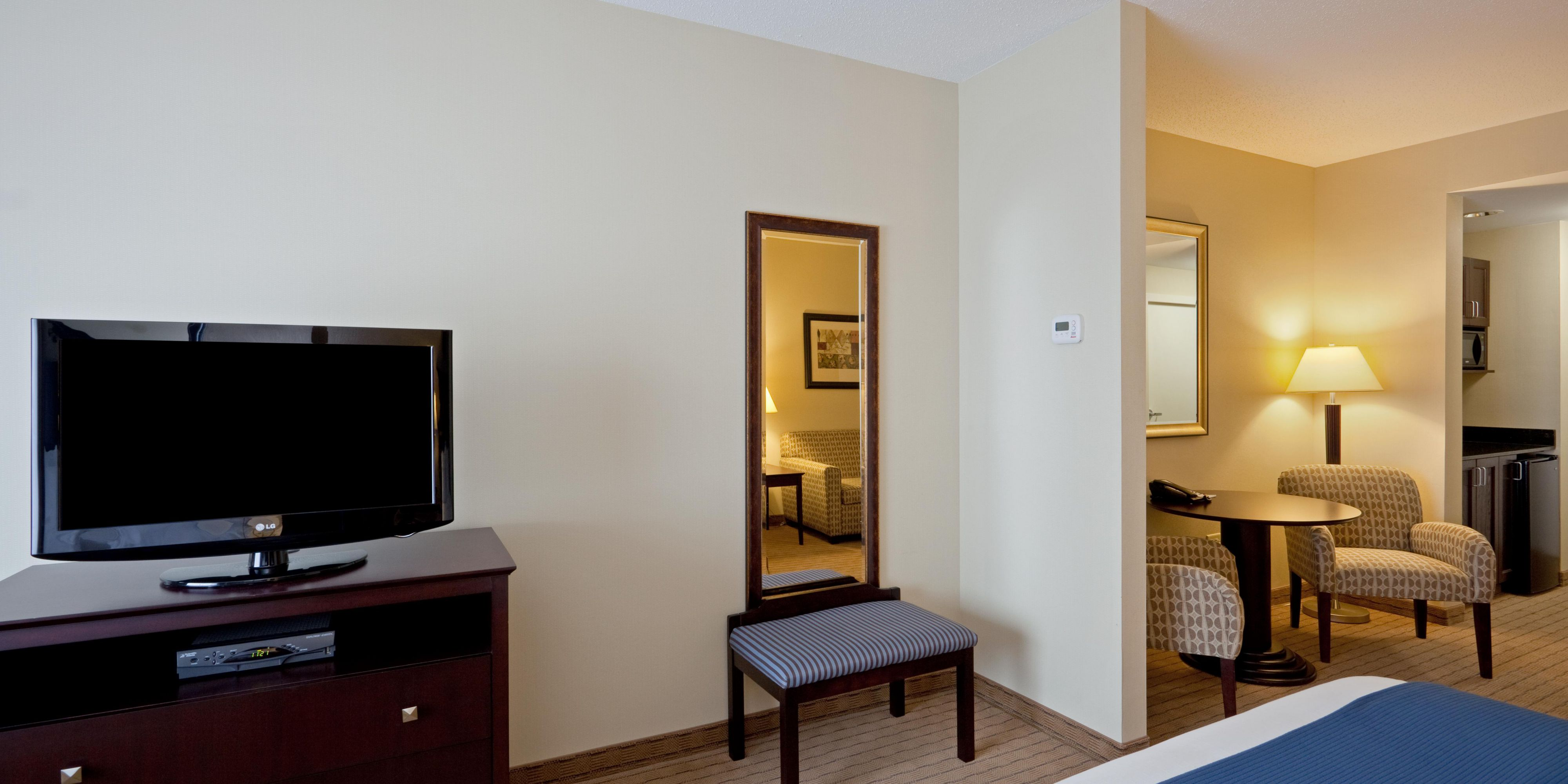 Holiday Inn Express And Suites Malone 2531753409 2x1