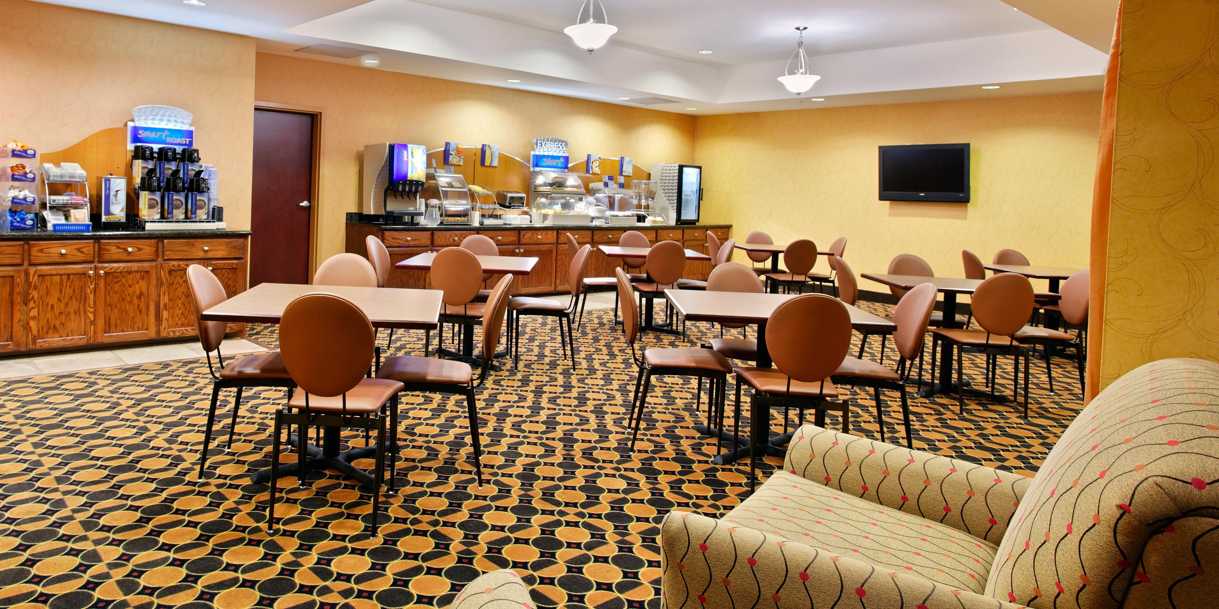 Holiday Inn Express And Suites Malvern 2532625661 2x1