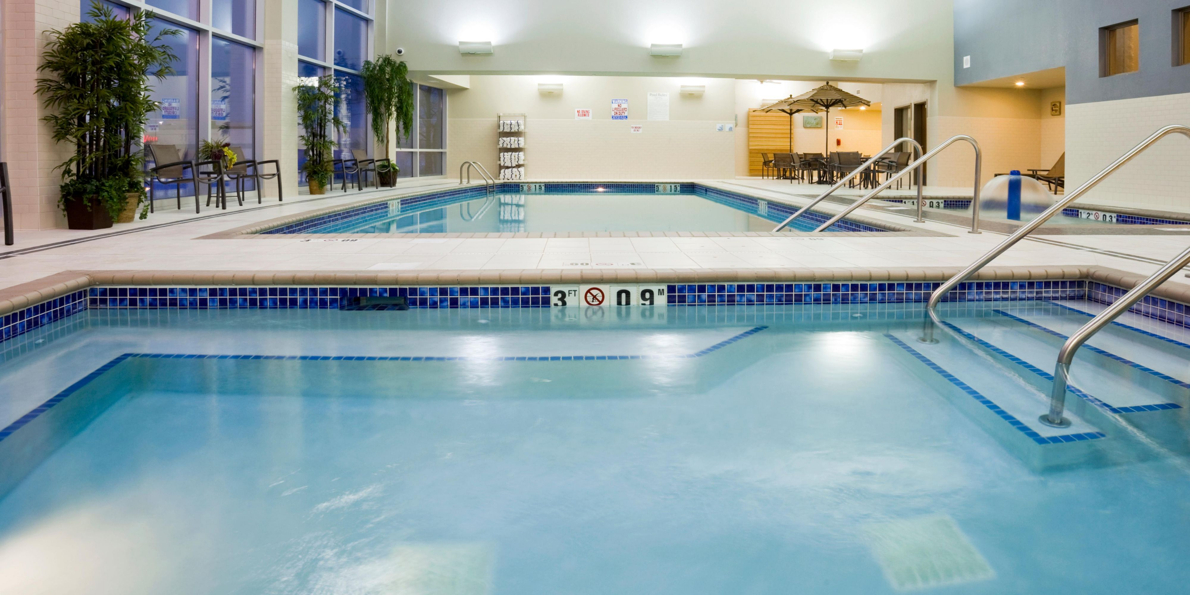 Holiday Inn Express And Suites Mankato 2532492917 2x1
