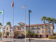 Holiday Inn Express & Suites Manteca City Center in Manteca, California