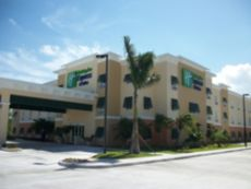 Holiday Inn Express & Suites Marathon in Marathon, Florida