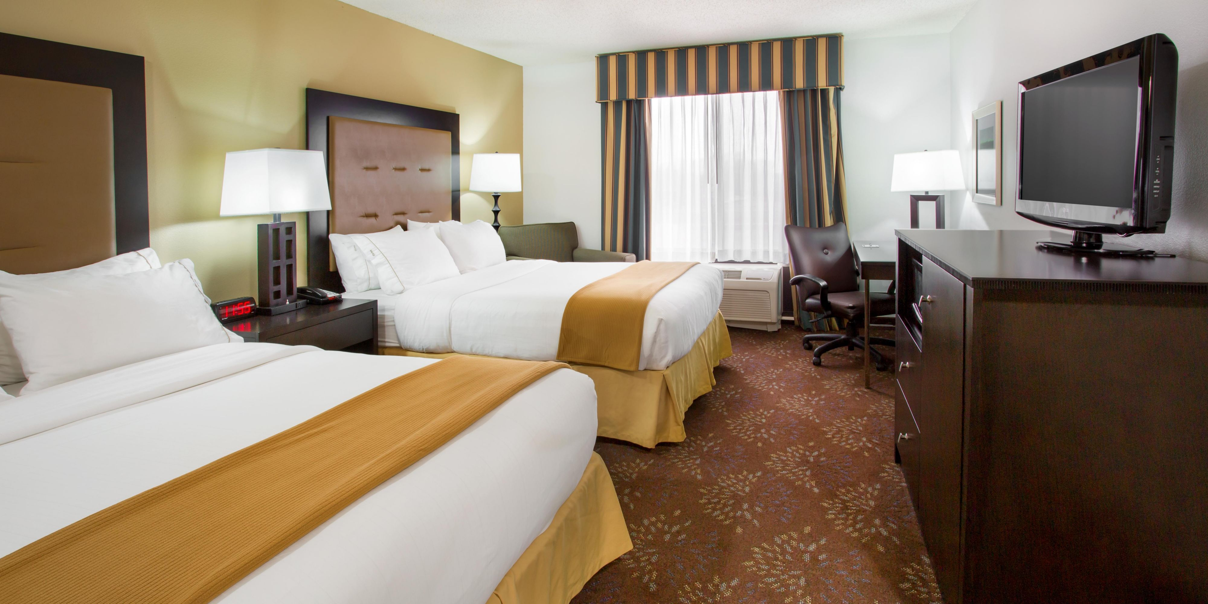 Holiday Inn Express And Suites Martinsville 3602348441 2x1