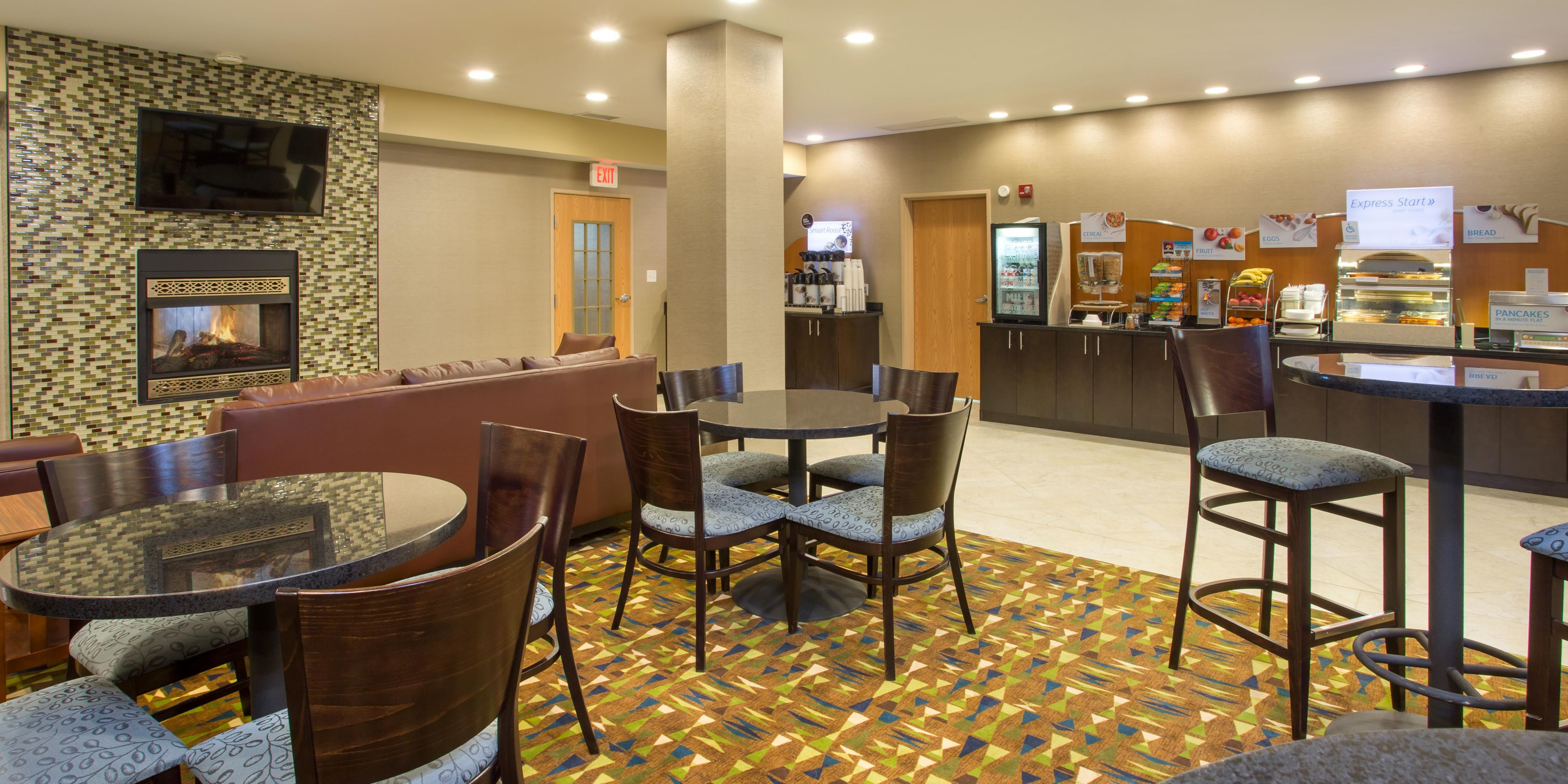 Holiday Inn Express And Suites Martinsville 3602590108 2x1
