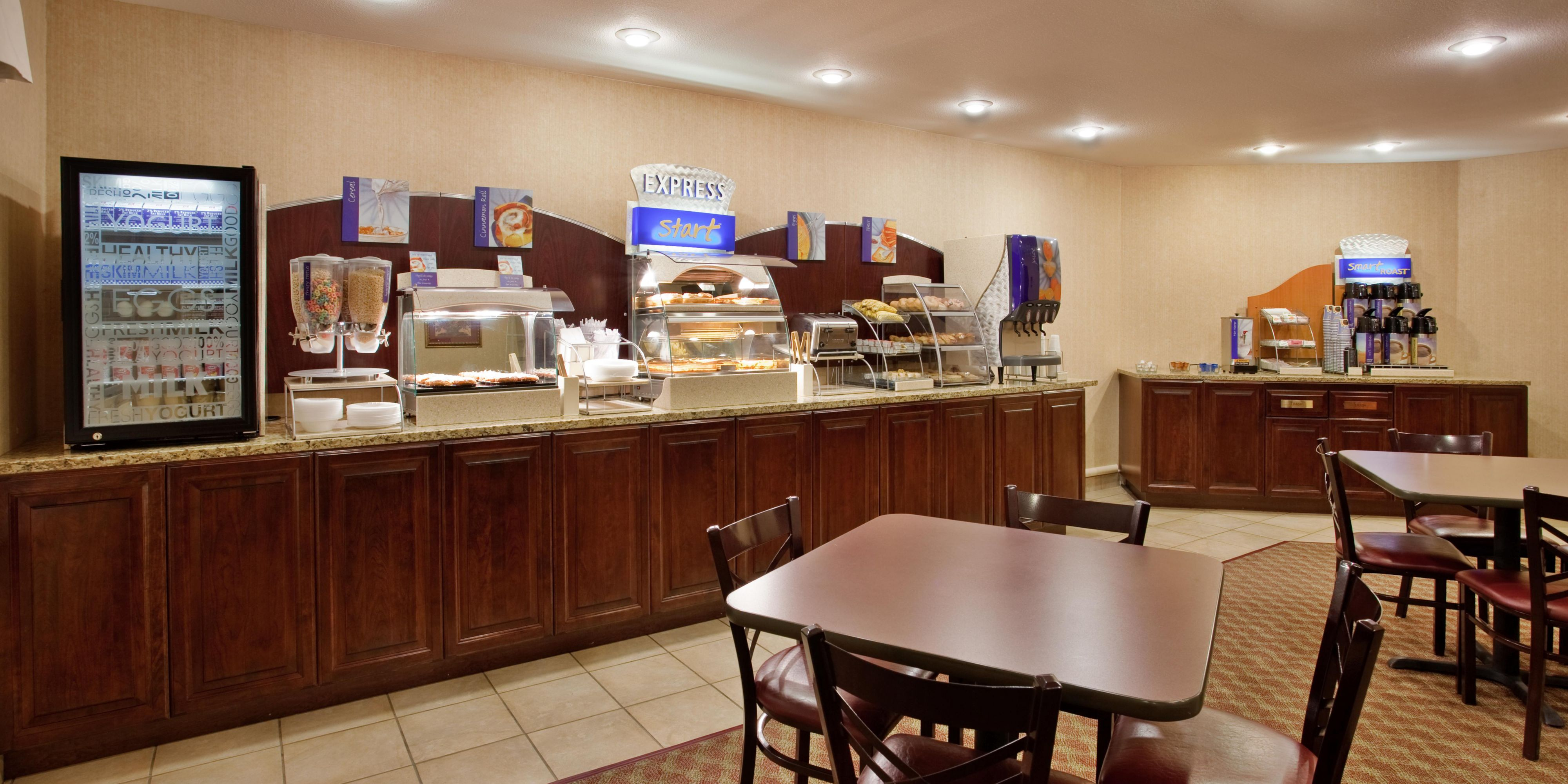 Holiday Inn Express And Suites Maryville 4302909406 2x1