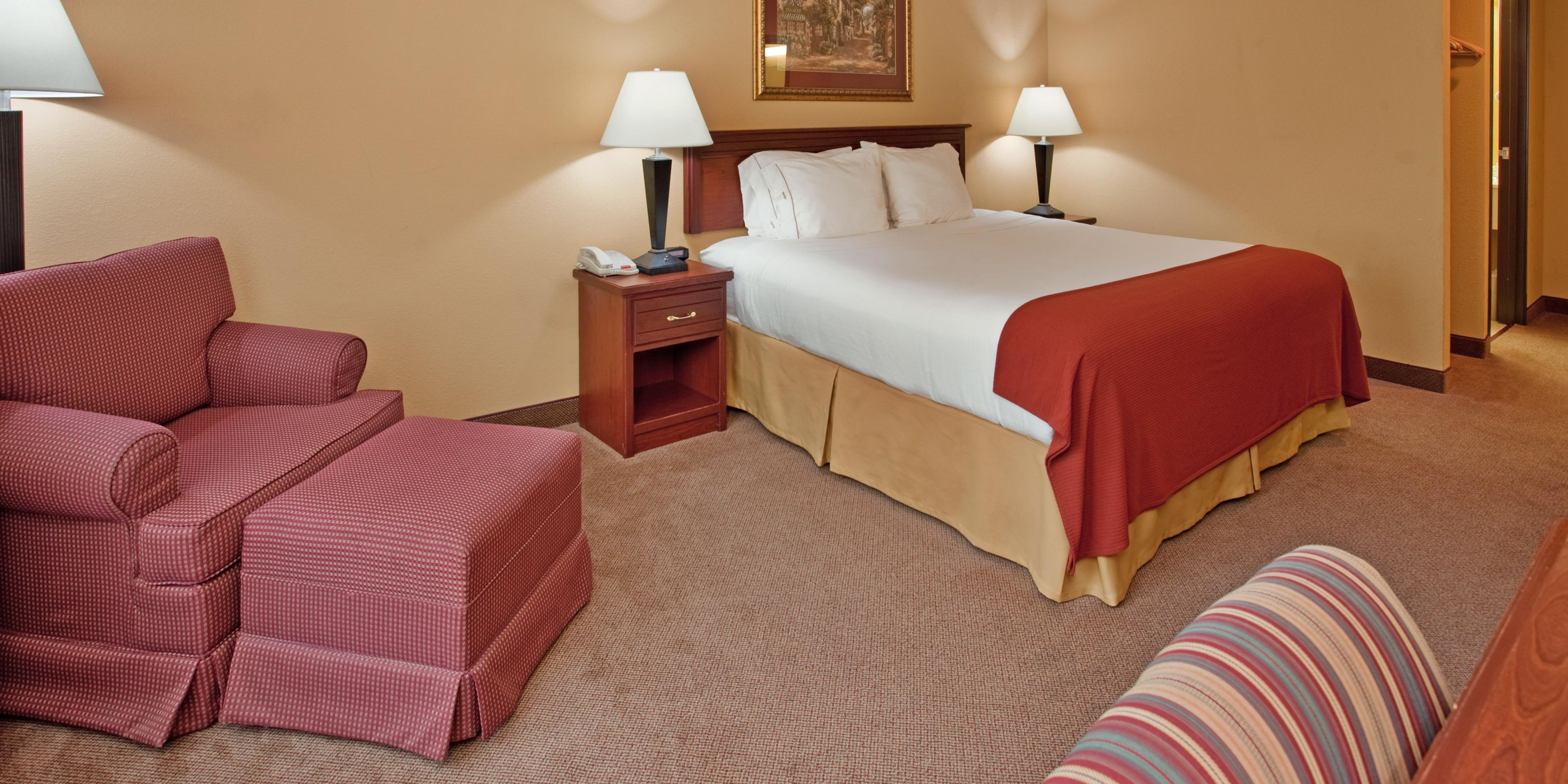 Holiday Inn Express And Suites Maryville 4302911319 2x1
