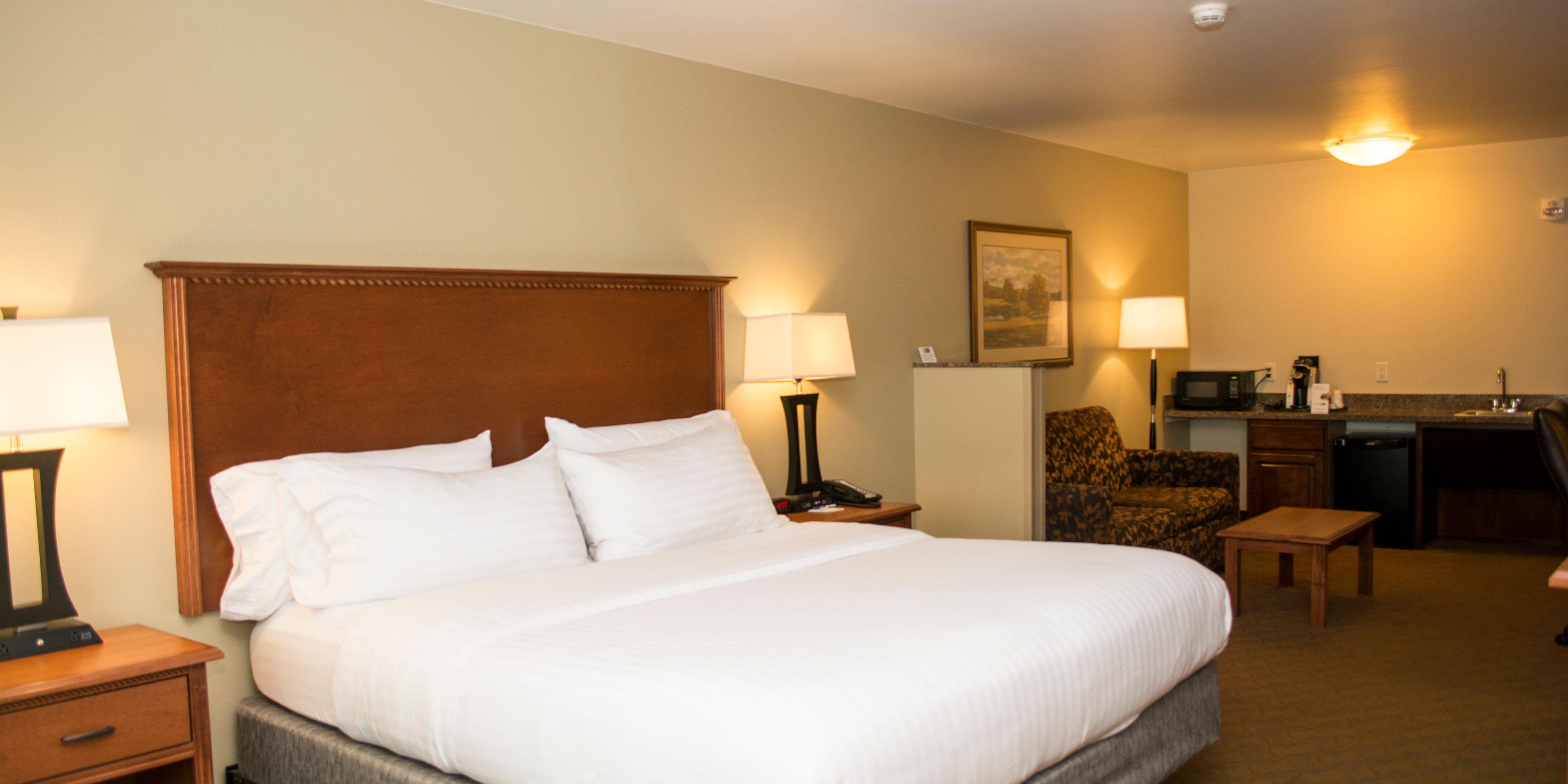 Holiday Inn Express & Suites Mason City Hotel by IHG
