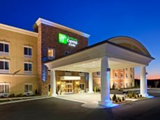 Holiday Inn Express & Suites Charlotte Southeast - Matthews in Pineville, North Carolina