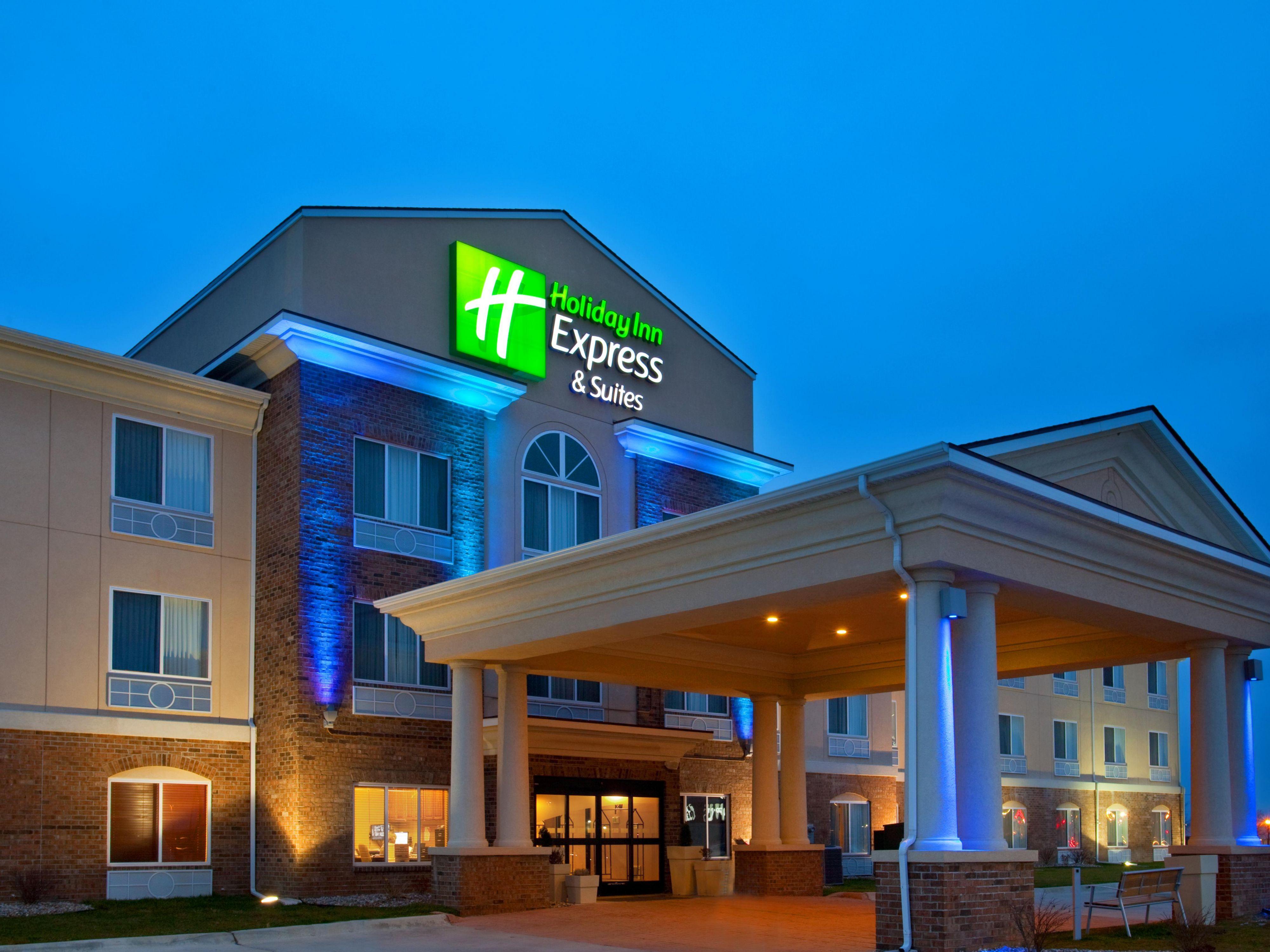 Holiday Inn Express & Suites Mattoon Hotel By IHG