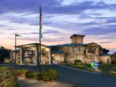 Holiday Inn Express & Suites Arcata/Eureka-Airport Area in Mckinleyville, California