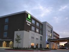 Holiday Inn Express & Suites McKinney - Craig Ranch in Frisco, Texas