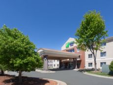Holiday Inn Express & Suites Mebane in Chapel Hill, North Carolina