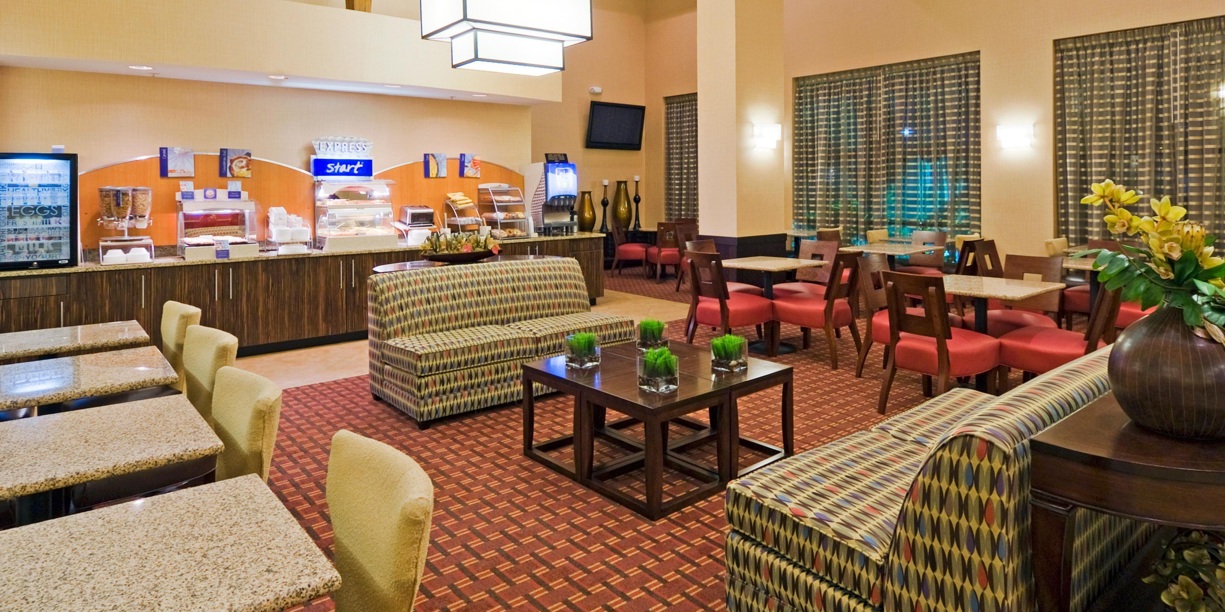 Holiday Inn Express And Suites Miami 3448554945 2x1