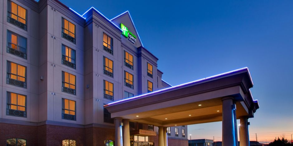 Welcome To The Holiday Inn Express Suites Milton Hotel Lobby
