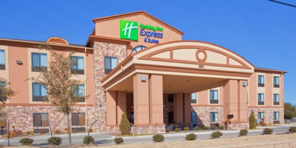 Hotel Lobby Near Jacksboro Texas Exterior