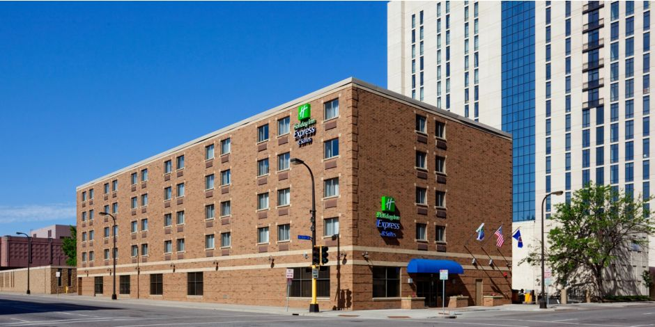 Downtown Minneapolis Hotel With Free Full Breakfast And Wifi