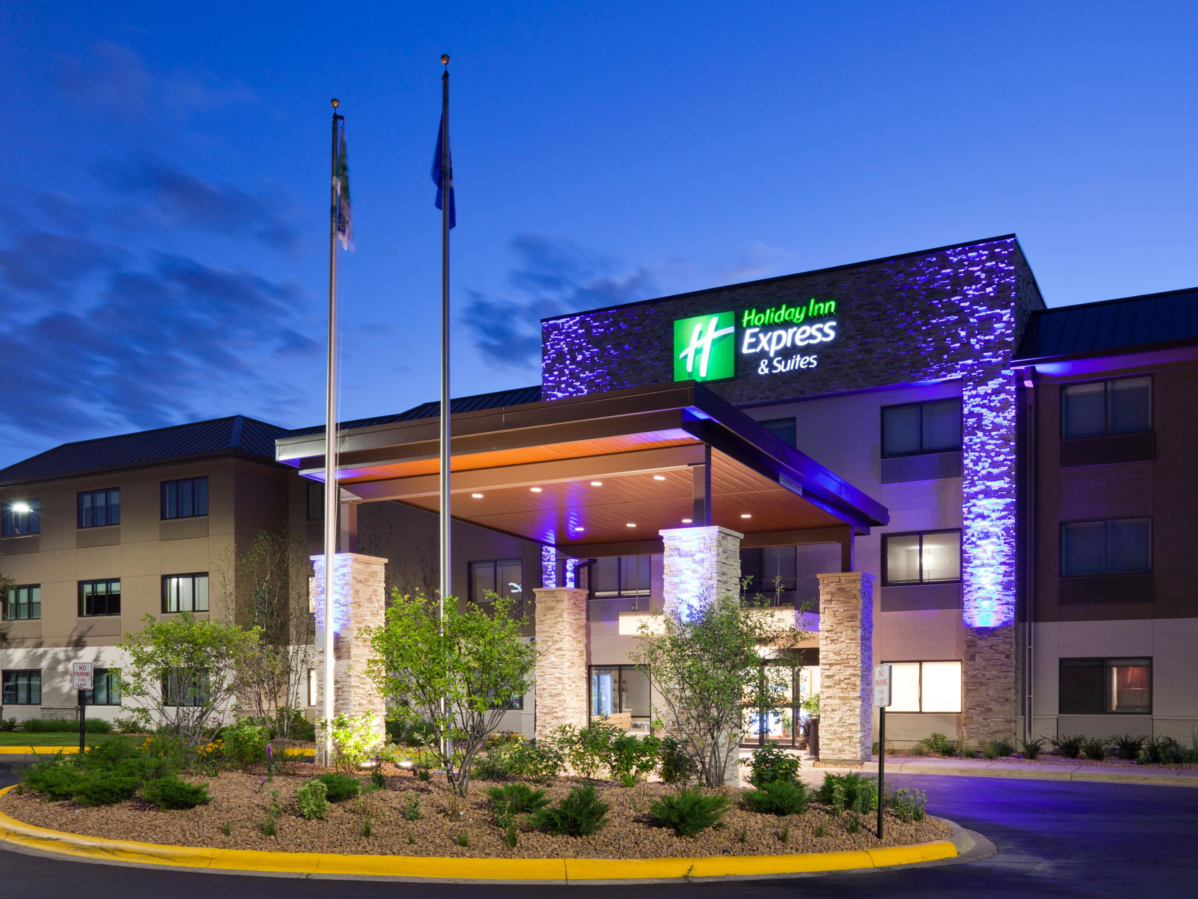 Holiday Inn Express (Minneapolis) Golden Valley welcomes you!