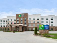 Holiday Inn Express & Suites Monroe in Matthews, North Carolina