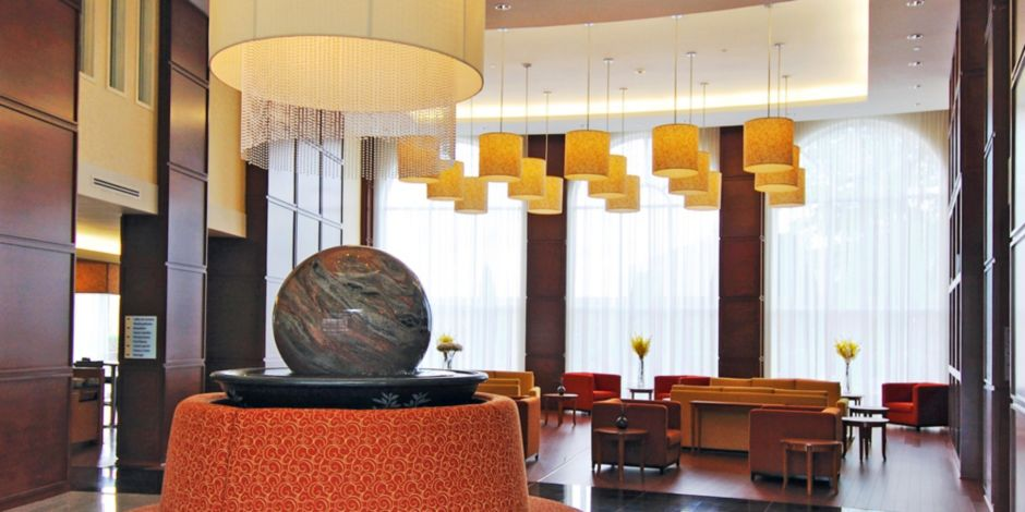 Holiday Inn Express & Suites Montreal Airport Hotel by IHG