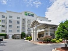 Holiday Inn Express & Suites Mooresville - Lake Norman in Concord, North Carolina