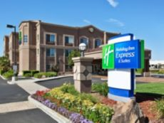 Holiday Inn Express & Suites San Jose-Morgan Hill in Morgan Hill, California